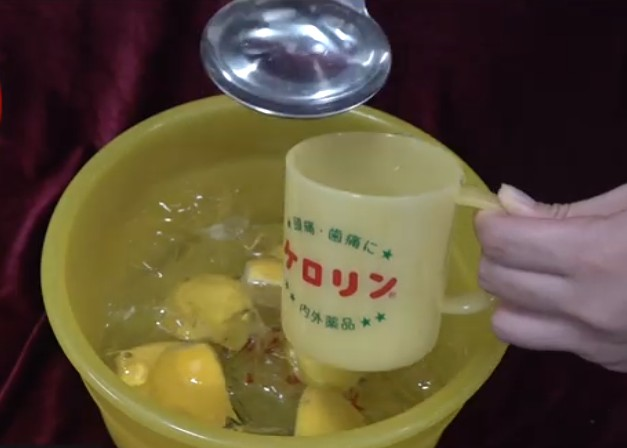ケロリン桶でお酒を飲む
